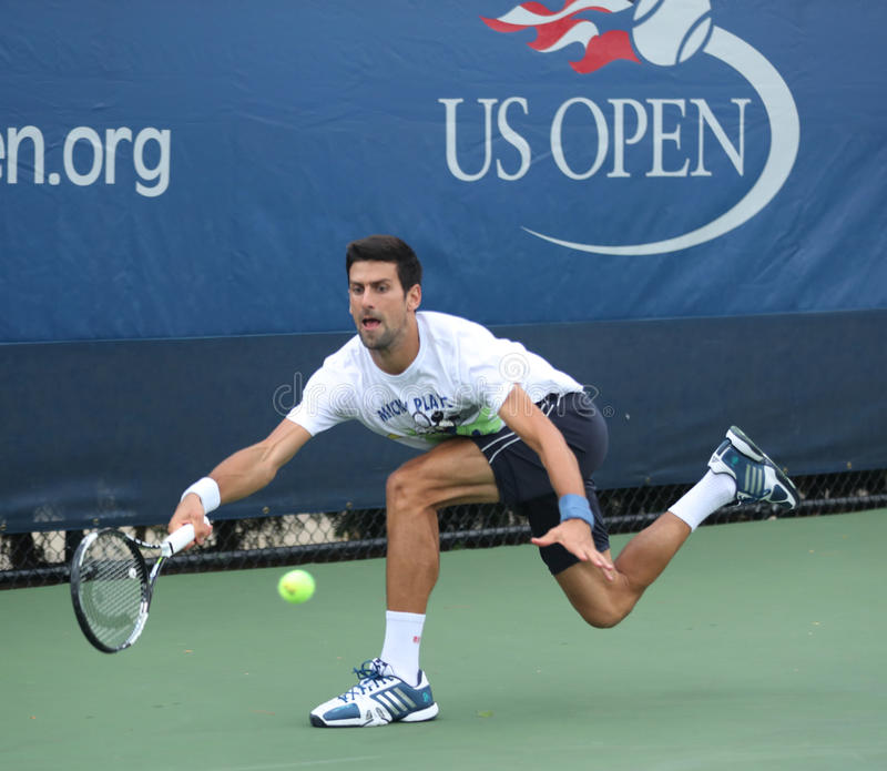 Dwanaście czasów wielkiego szlema mistrz Novak Djokovic Serbia ćwiczy dla us open 2016 dla zdjęcia royalty free