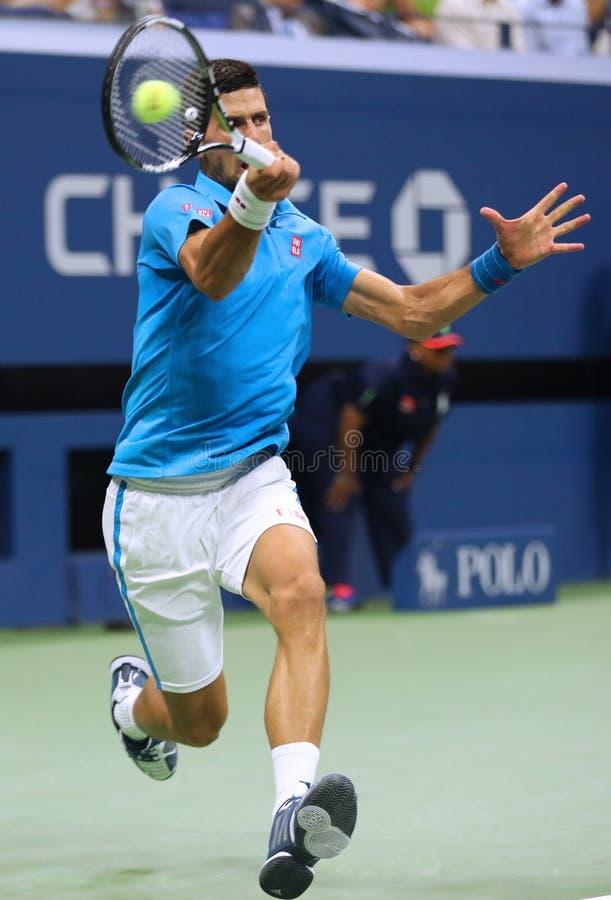 Dwanaście czasów wielkiego szlema mistrz Novak Djokovic Serbia w akci podczas jego ćwierćfinału dopasowania przy us open 2016 obrazy stock