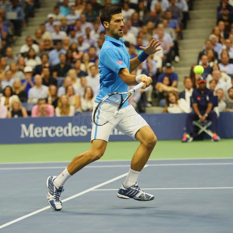 Dwanaście czasów wielkiego szlema mistrz Novak Djokovic Serbia w akci podczas jego ćwierćfinału dopasowania przy us open 2016 obraz royalty free