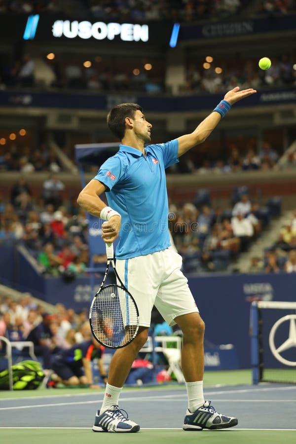 Dwanaście czasów wielkiego szlema mistrz Novak Djokovic Serbia w akci podczas jego ćwierćfinału dopasowania przy us open 2016 zdjęcia royalty free