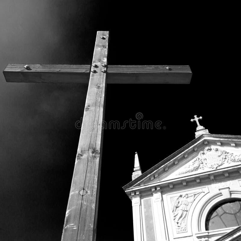 in dwars traditionele het conceptenancian van Italië en de hemel stock foto's