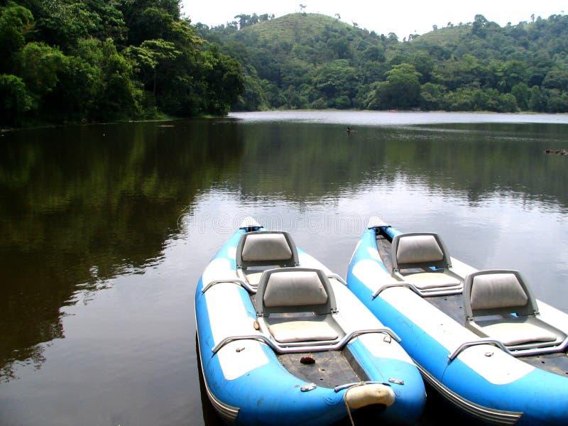 dwie łodzie niebieskie zdjęcie royalty free