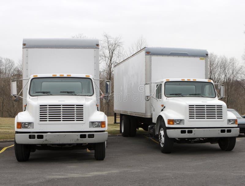 dwie ciężarówki doręczeniowe fotografia stock