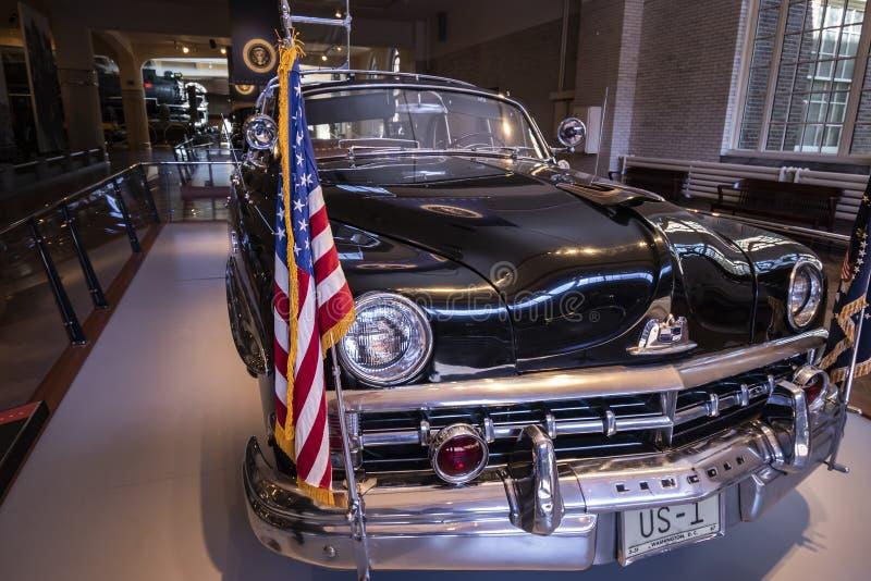 Dwight D Bulle Eisenhower Top 1950 Lincoln voiture présidentielle photographie stock libre de droits
