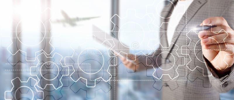 Dwoistego ujawnienia przekładni mechanizm na zamazanym tle Biznesowy i przemysłowy proces automatyzaci pojęcie obrazy stock