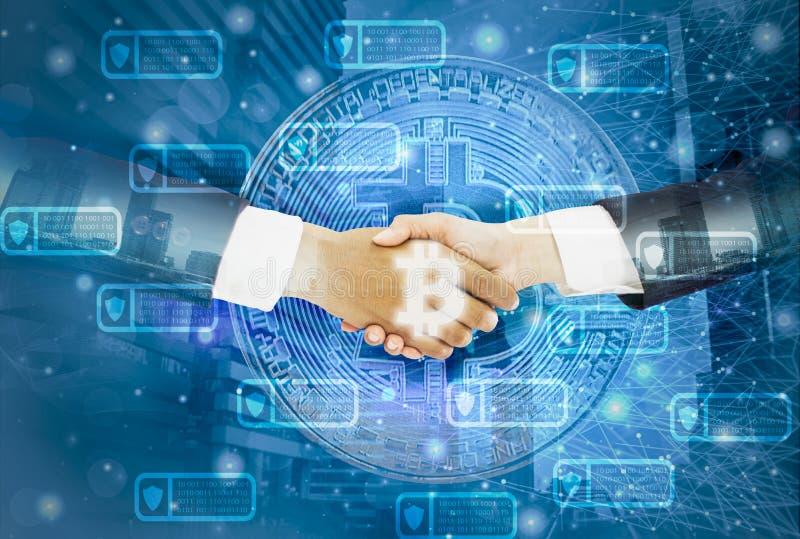 Dwoisty biznesmena uścisk dłoni z bizneswomanem zgadzającym się negocjuje handlarskiego bitcoin, tło pejzaż miejskiego, linie i k obrazy royalty free