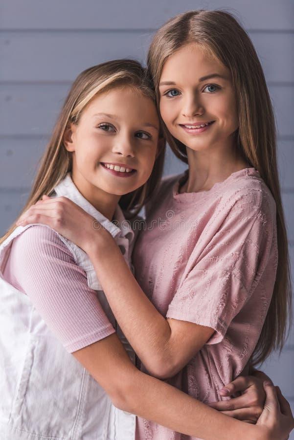 dwoje nastolatków dziewczyny obraz stock