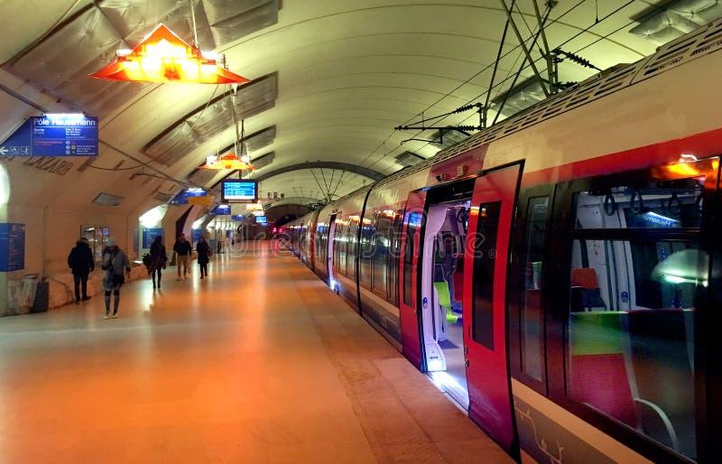 Dworca quay Paryż zdjęcie stock