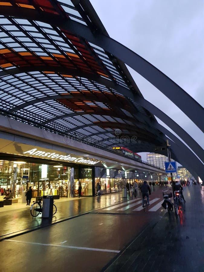 Dworzec w Amsterdam holandiach zdjęcia royalty free