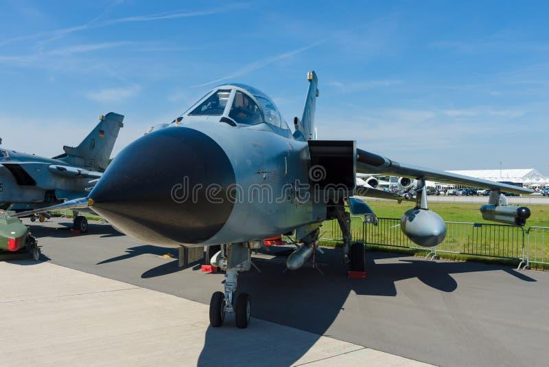 Dwusilnikowy, zakresu skrzydłowy bojowy samolot, Panavia tornada ECR zdjęcia royalty free