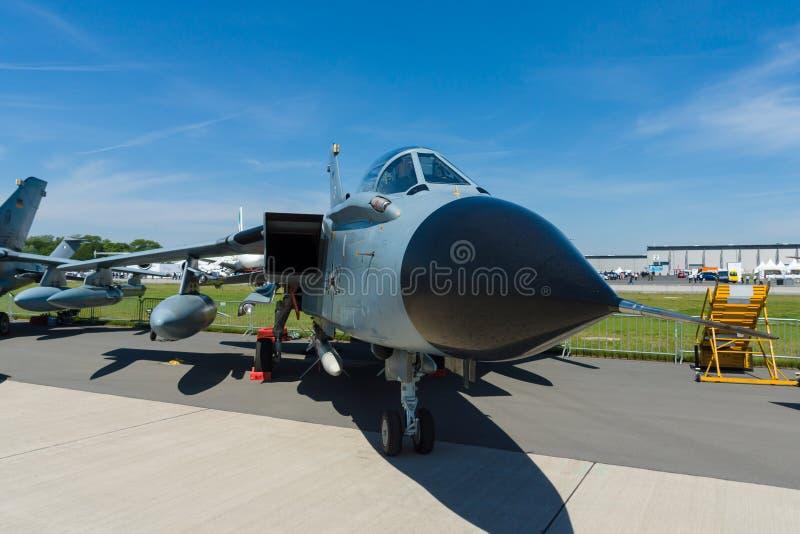 Dwusilnikowy, zakresu skrzydłowy bojowy samolot, Panavia tornada ECR obrazy royalty free
