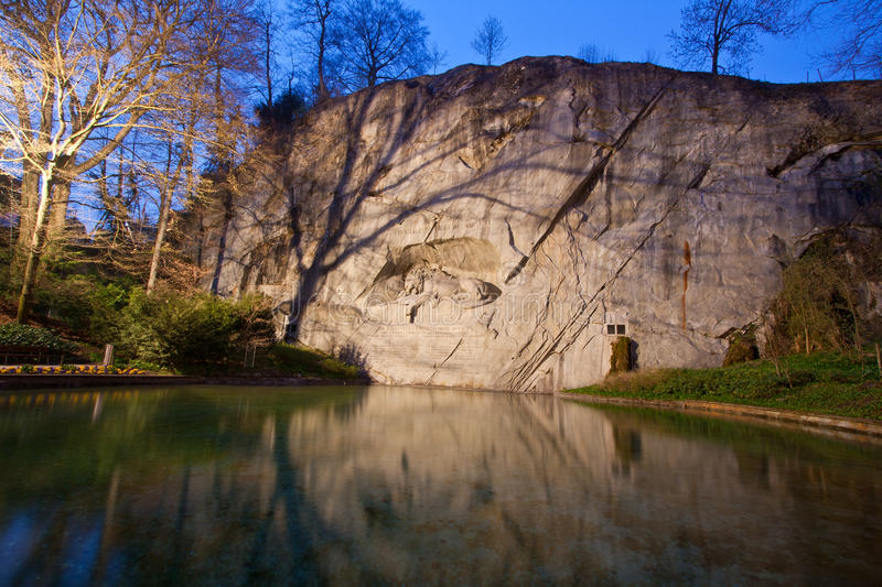 Download Dying Lion Monument Royalty Free Stock Image - Image: 18519106