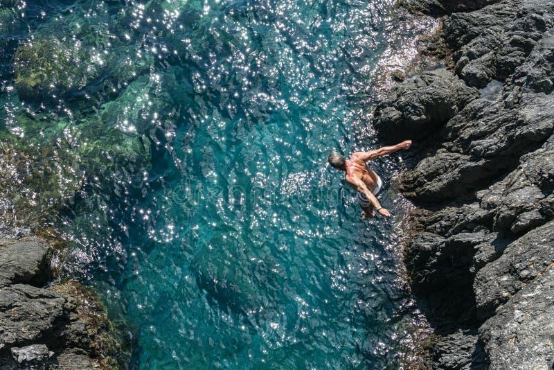 Dyk i havet royaltyfria bilder