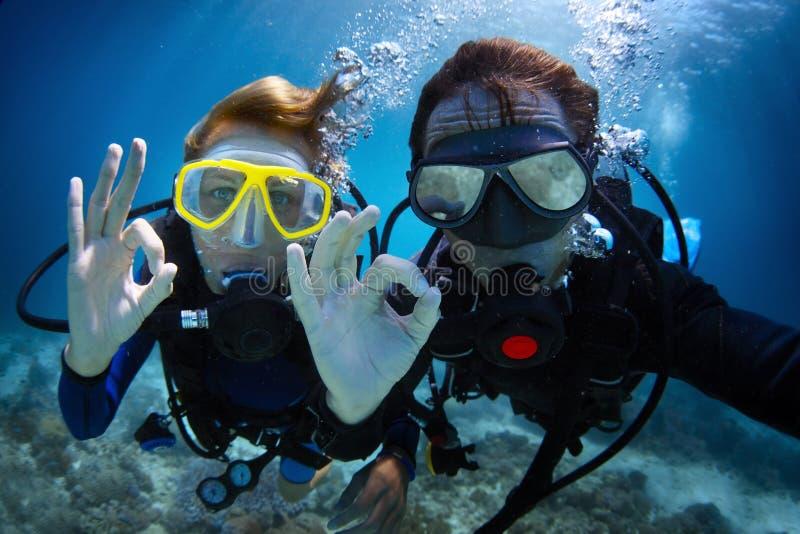 Dykapparatdykning royaltyfri fotografi