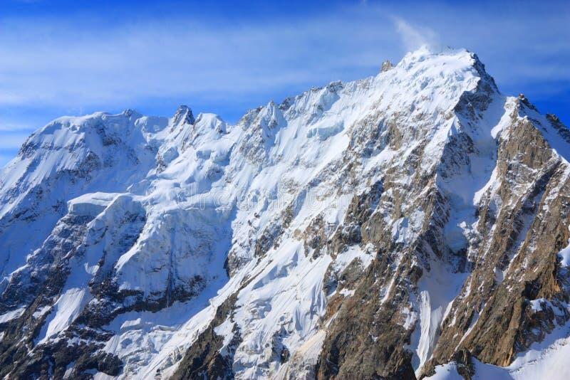 Dykh-tau de sommet de montagne images libres de droits