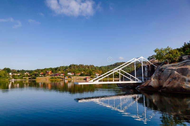 Dykningplattform i Olavsberget badningområde nära Porsgrunn Telem fotografering för bildbyråer