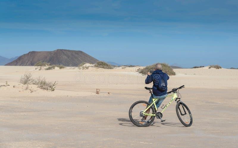 Dyn i Corralejo, Fuerteventura, kanariefågelö royaltyfri fotografi