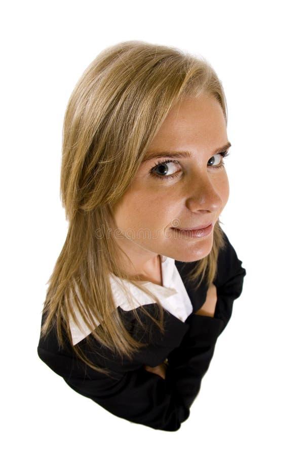 Dynamische Ansicht der ernsten Geschäftsfrau lizenzfreie stockbilder