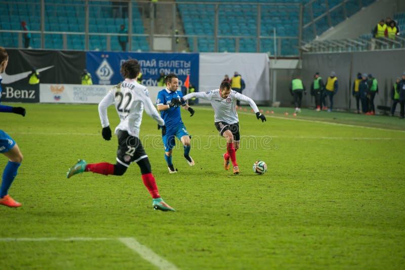 Dynamo (Moskou) (blauw) versus Amkar (Permanent) stock foto's