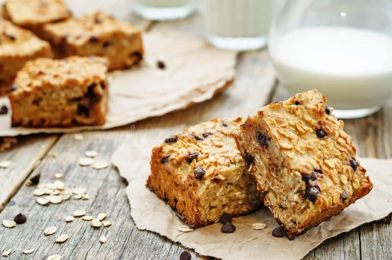 Dyniowi cynamonowi układu scalonego oatmeal bary fotografia royalty free