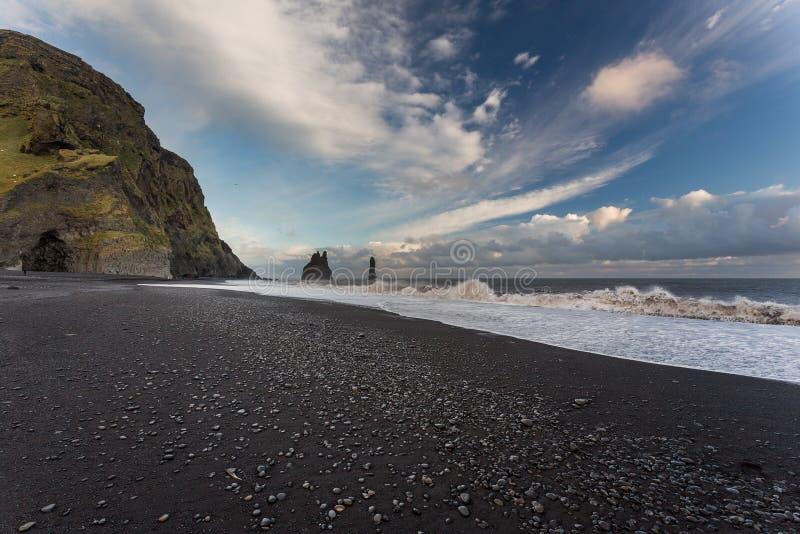 Dyrholaey, Исландия Черный пляж стоковые изображения rf