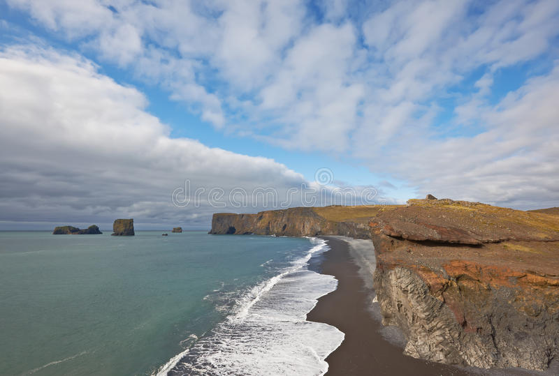 dyrholaeyiceland för strand svart sand arkivfoto