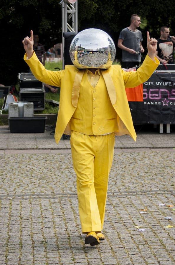 Dyskoteka mężczyzna Balowy taniec w ulicie obraz royalty free