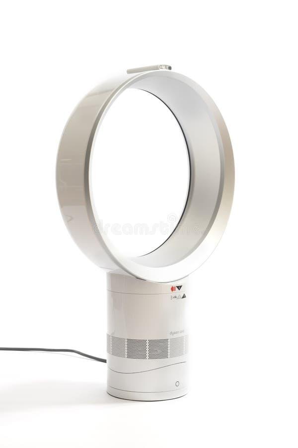ventilateur dyson good dyson am ventilateur sans pales uac with ventilateur dyson beautiful. Black Bedroom Furniture Sets. Home Design Ideas