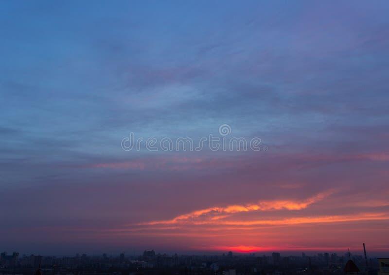 Dyster afton Cloudscape arkivfoto