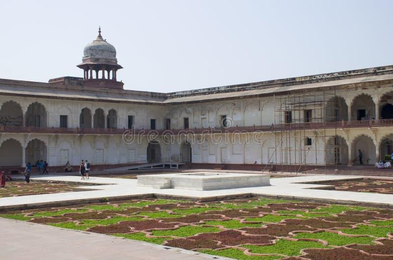 Dzhuma das Moscheen-rote Fort zur Stadt von Agra von Indien lizenzfreie stockfotografie
