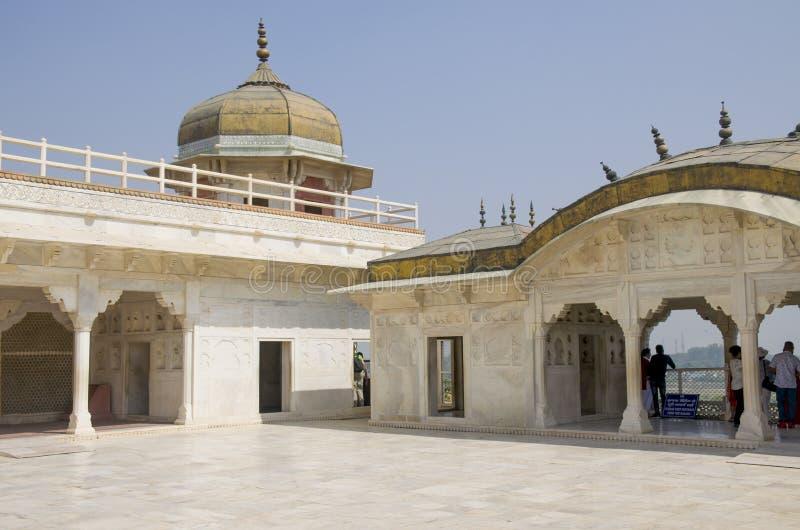 Dzhuma das Moscheen-rote Fort zur Stadt von Agra von Indien stockfotografie