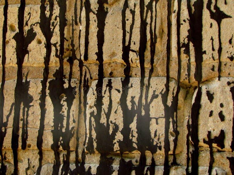 Dziąsłowa ściana wypełnia z czarnym żywicą zdjęcia stock