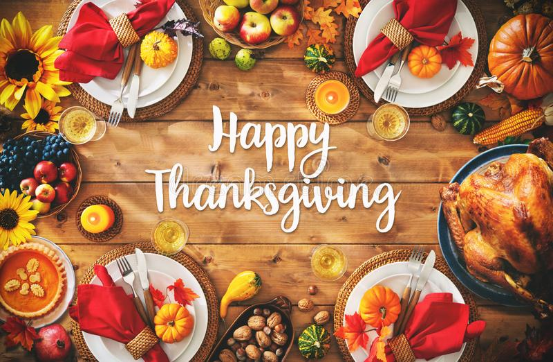 Dziękczynienia świętowania położenia posiłku tradycyjny obiadowy pojęcie zdjęcie stock