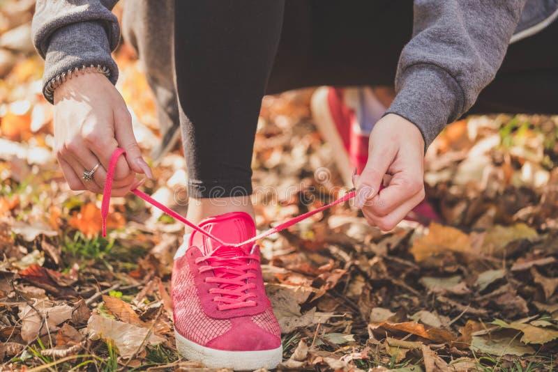 Działający buty, zamykają up Sport i zdrowy pojęcie fotografia stock
