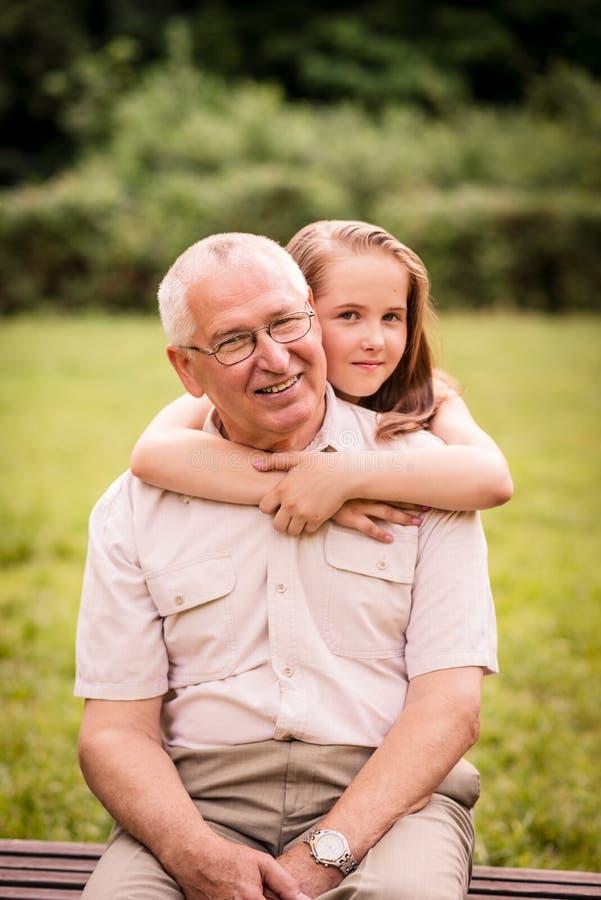 Dziad z wnukiem obrazy royalty free
