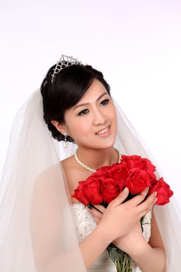 Dzień ślubu młoda azjatykcia para zdjęcia royalty free