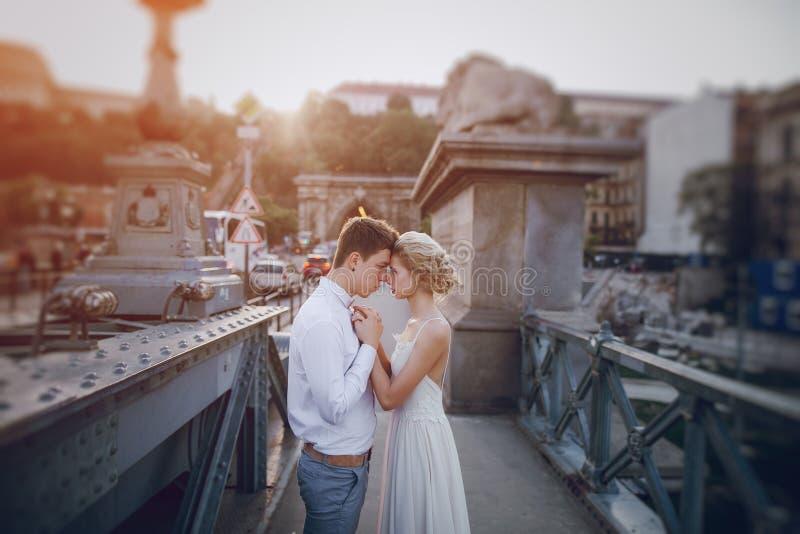 Dzień ślubu w Budapest obrazy stock