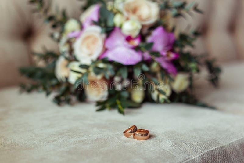 Dzień ślubu wiązka kwiaty obrazy royalty free