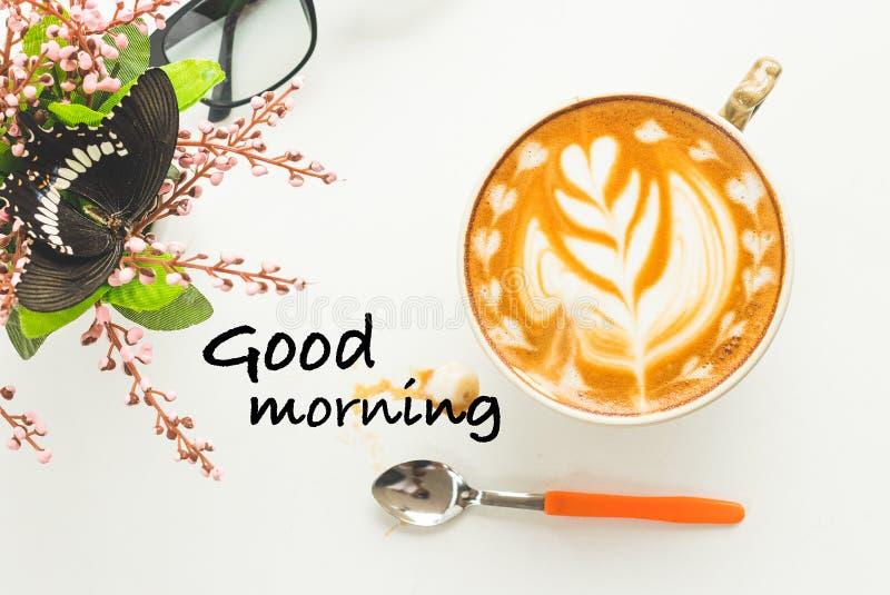 Dzień dobry i gorąca kawa w ranku obrazy royalty free