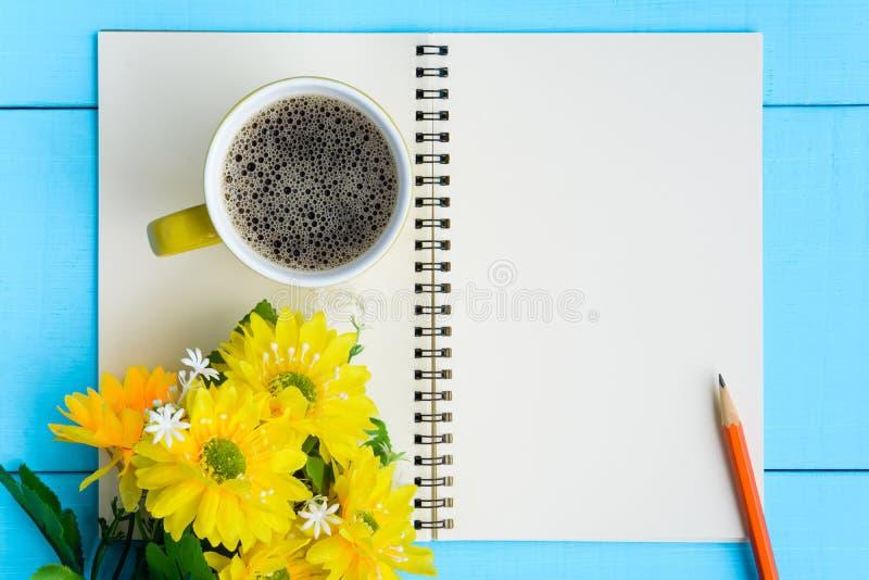dzień dobry kawa i notatnik obrazy royalty free
