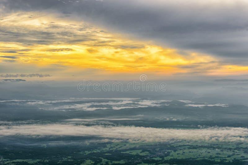dzień dobry mgła obrazy royalty free