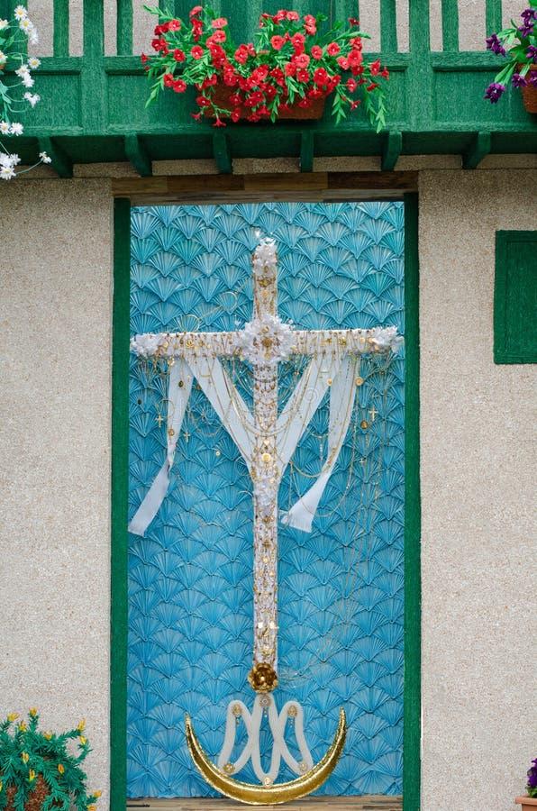 Download Dzień krzyż zdjęcie stock. Obraz złożonej z krucyfiks - 53781060