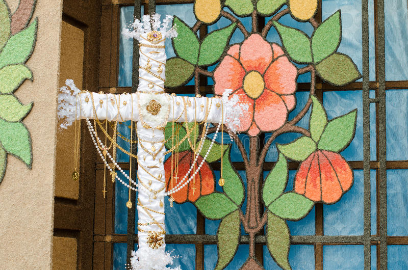 Download Dzień krzyż zdjęcie stock. Obraz złożonej z religia, krzy - 53790062
