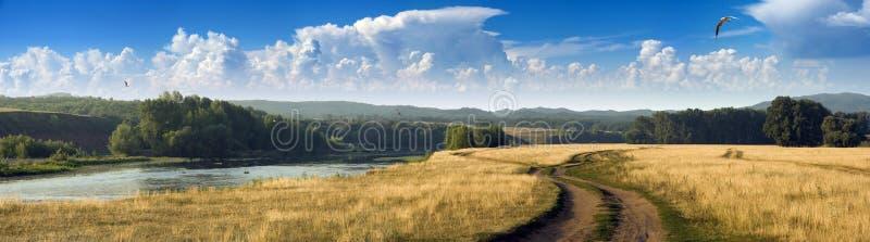 dzień mały panoramy rzeki lato fotografia royalty free