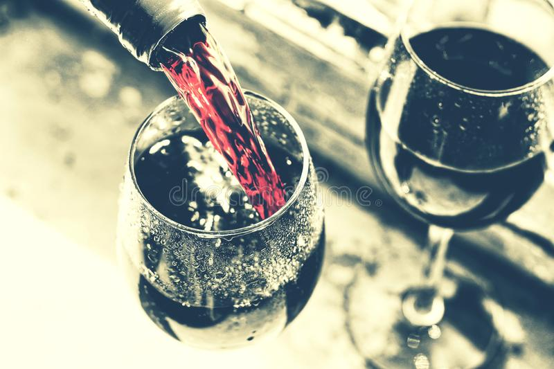 Dzień Pamięci, usa, Nalewa wino, pinkin, stylowy noir zdjęcia stock