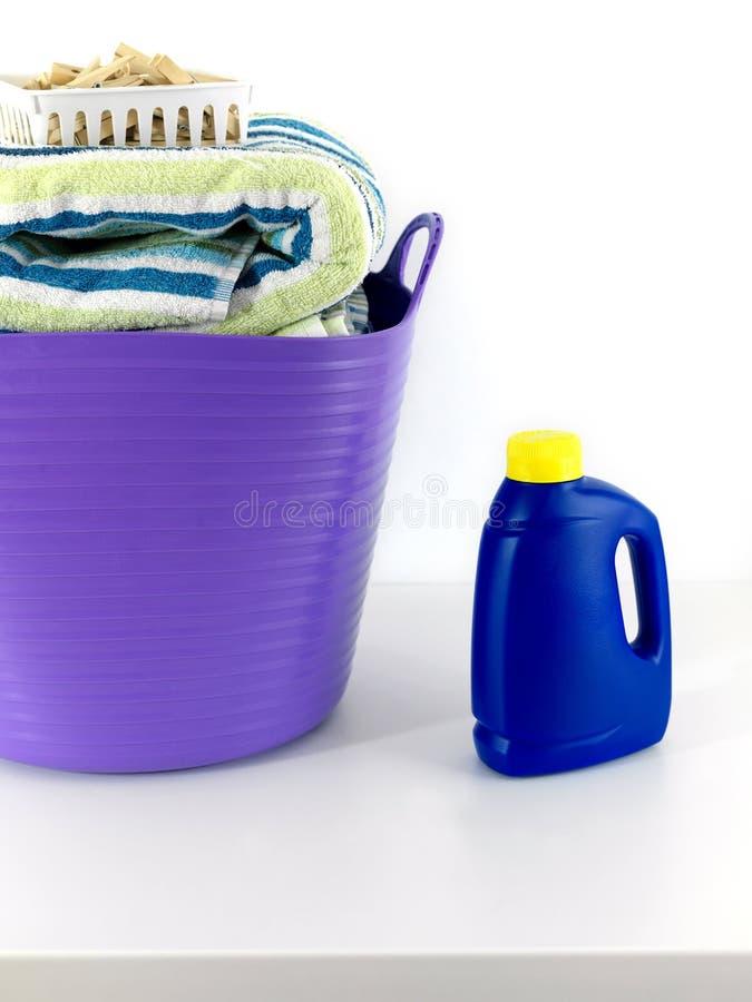 Download Dzień pralnia obraz stock. Obraz złożonej z cyna, czysty - 13325847