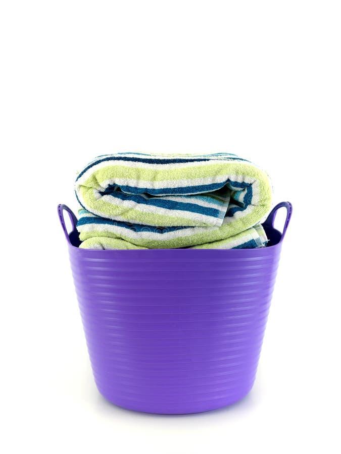 Download Dzień pralnia zdjęcie stock. Obraz złożonej z kosz, odosobniony - 13325938
