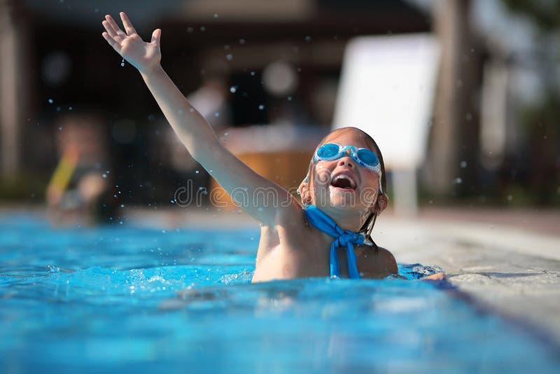 dzieciństwo szczęśliwy zdjęcia stock