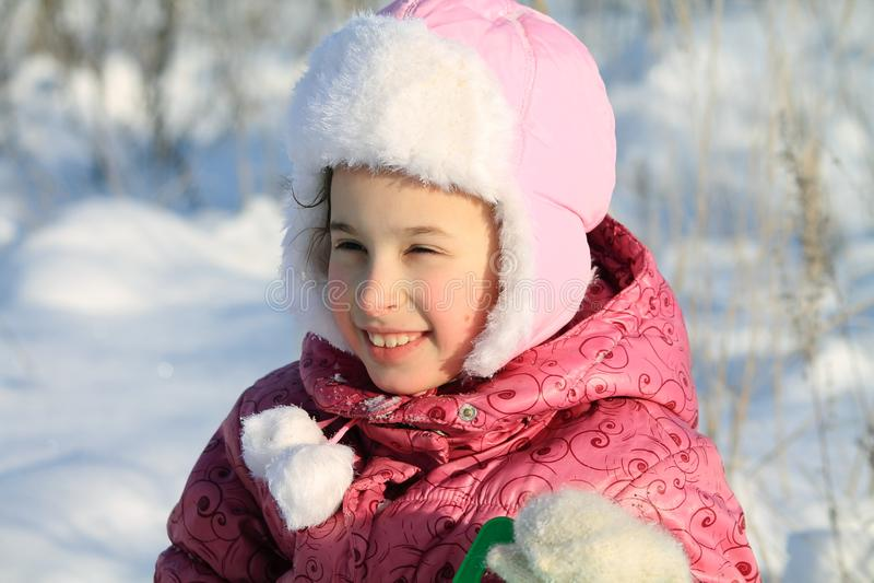 dzieci śnieg grać zdjęcia stock