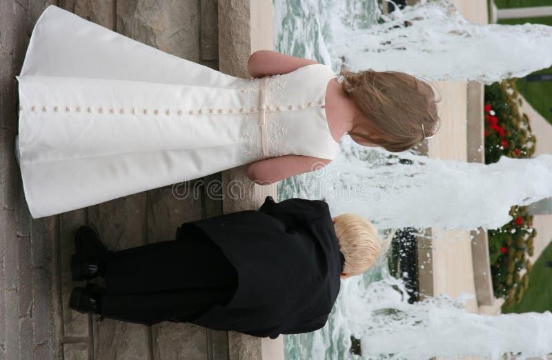 dzieci 2 poślubić obraz stock